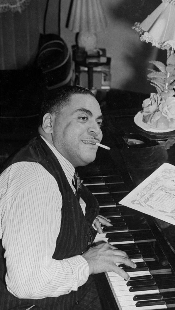 Fats Waller at the piano